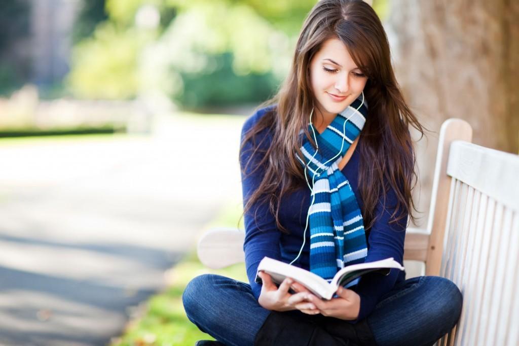 woman-reading-1024x682